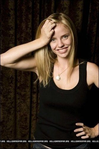 Kelli Garner wallpaper possibly containing a leotard, attractiveness, and a portrait entitled Kelli