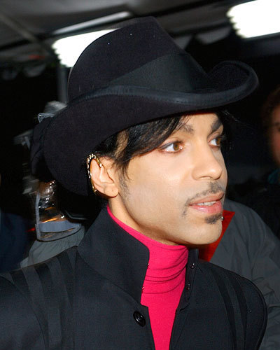 Prince wallpaper containing a snap brim hat, a campaign hat, and a fedora entitled Prince