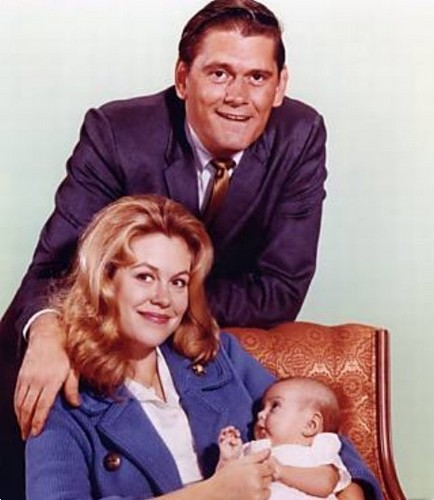 Bewitched wallpaper probably with a neonate called Samantha, Darrin And Baby Tabatha