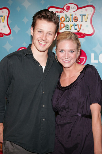 Will Estes and Brittany Snow