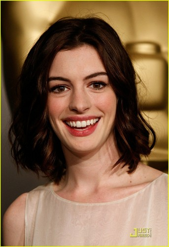 Anne Hathaway @ 2009 Oscar Nominees Luncheon