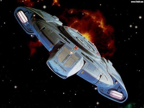 nyota Trek: Deep Space Nine karatasi la kupamba ukuta called Defiant