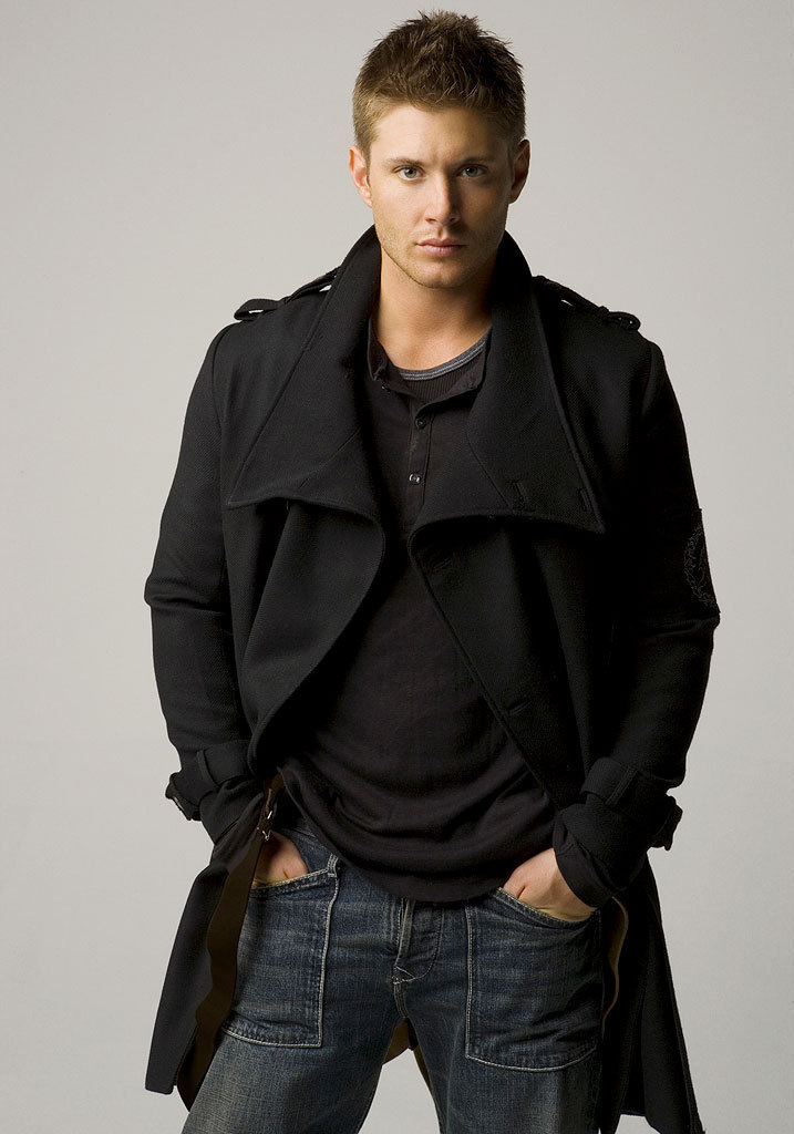 http://images2.fanpop.com/images/photos/3900000/Hot-Actor-hottest-actors-3951744-717-1024.jpg