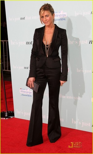 Jennifer Aniston @ He's Just Not That Into You Premiere