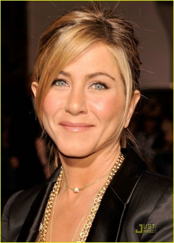 Jennifer Aniston @ He's Just Not That Into toi Premiere