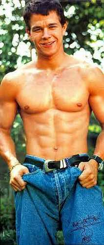 Mark Wahlberg fondo de pantalla possibly containing a six pack and a pedazo, hunk entitled Mark <3