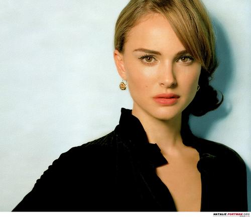 Natalie Portman Hintergrund with a portrait called Natalie Portman