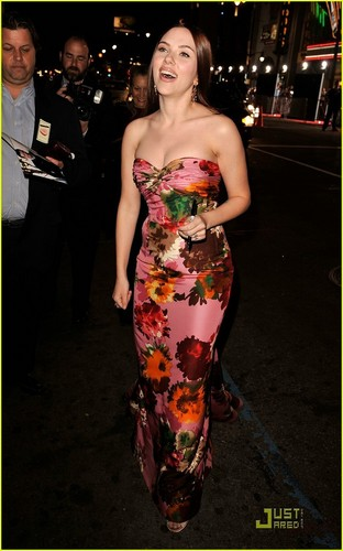 Scarlett @ The Premiere of He's Just Not That Into toi