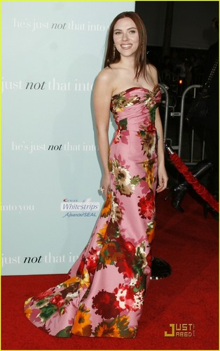 Scarlett @ The Premiere of He's Not That Into toi