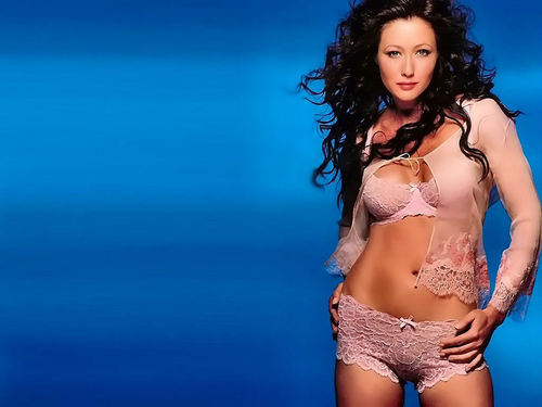 Shannen Doherty - North Shore / im Bikini 3x Gifs