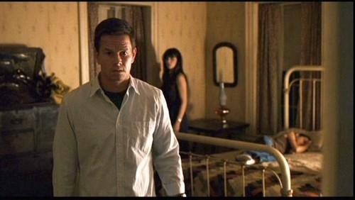 Mark Wahlberg Обои entitled The Happening Screencaps.