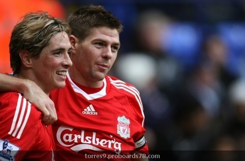 Steven Gerrard And Fernando Torres वॉलपेपर probably with a बास्केटबाल, बास्केटबॉल, बास्केट बॉल player and a टपकानेवाला, ड्रिबलर titled Torres & Gerrard