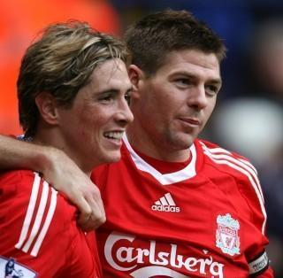 Steven Gerrard And Fernando Torres वॉलपेपर possibly with a बास्केटबाल, बास्केटबॉल, बास्केट बॉल player entitled Torres & Gerrard