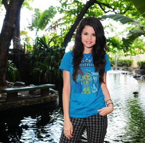 Selena Gomez na Demi Lovato karatasi la kupamba ukuta entitled sel& dem