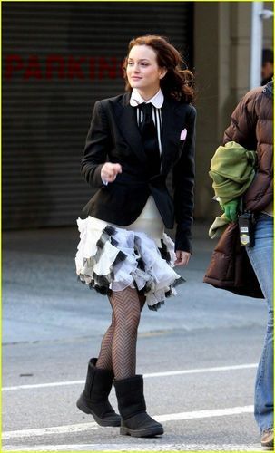 Blair Waldorf Fashion wallpaper containing a business suit and a hip boot entitled Blair's Style