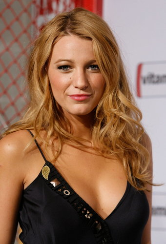 Blake Lively wallpaper with attractiveness and a portrait entitled Blake