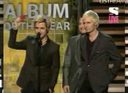 Green hari presenting @ the 2009 Grammy Awards