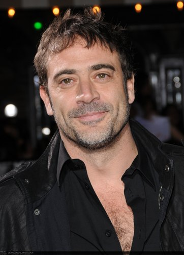 "Jeffrey Dean morgan @ ""Twilight"" Premiere"