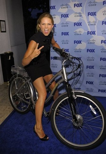 The Girls of House wallpaper probably with a bicycle, a velocipede, and a ciclismo, andar de bicicleta called Jennifer