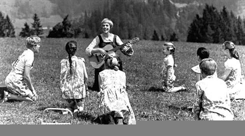 Maria and the children taking a picnic