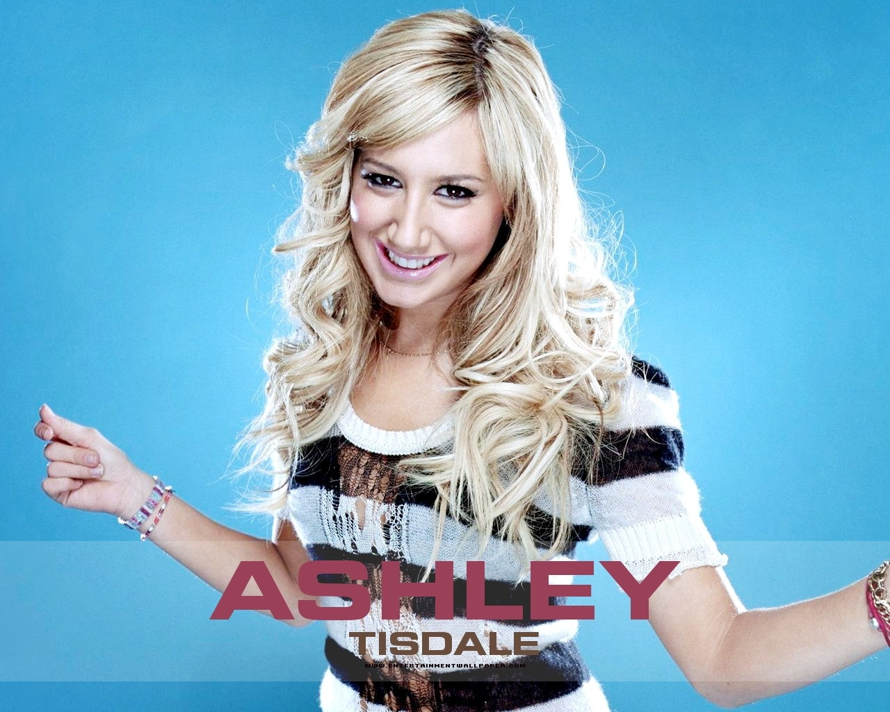 http://images2.fanpop.com/images/photos/4000000/ashley-ashley-tisdale-4048665-1280-1024.jpg