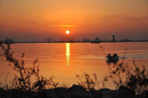 sun set in kuwait