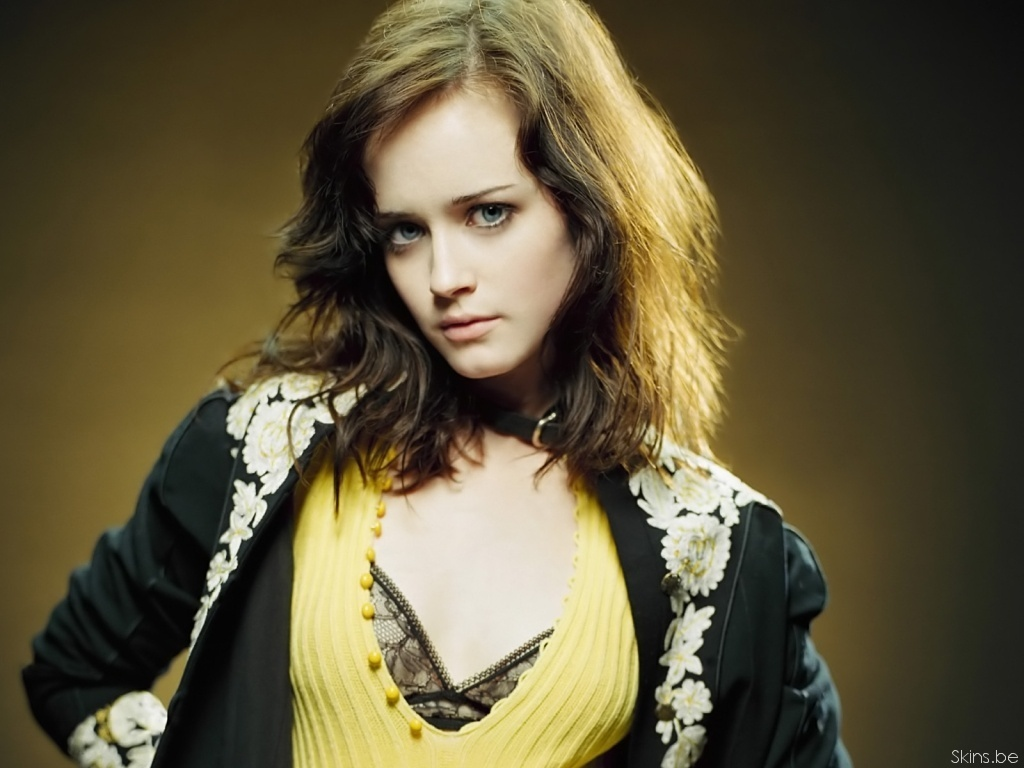 Alexis Bledel - Gallery Photo