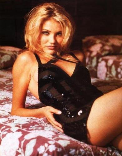 cameron diaz wallpaper containing a bustier, bustiê entitled Cameron Diaz