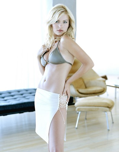 Elisha Cuthbert fond d'écran possibly containing a bikini called Elisha Cuthbert