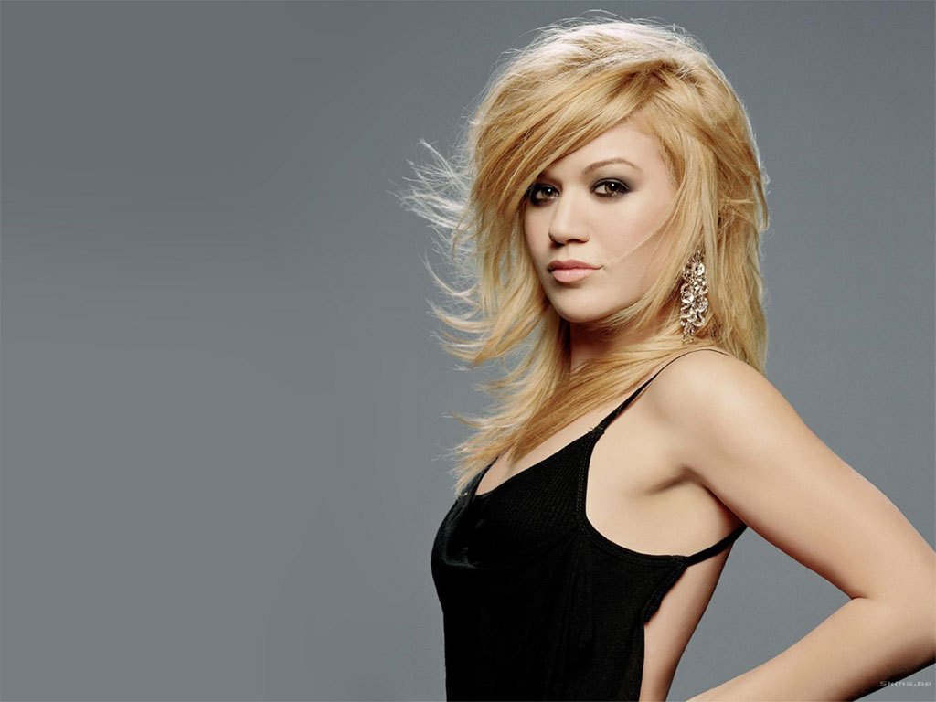 Kelly-Clarkson-kelly-clarkson-4103368-1024-768.jpg