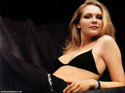 Kirsten Dunst wallpaper probably containing attractiveness and a portrait titled Kirsten Dunst