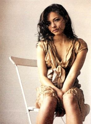 Kristin Kreuk wallpaper possibly with skin and a portrait called Kristin