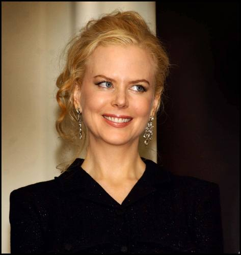 Nicole Kidman kertas dinding containing a portrait entitled Nicole