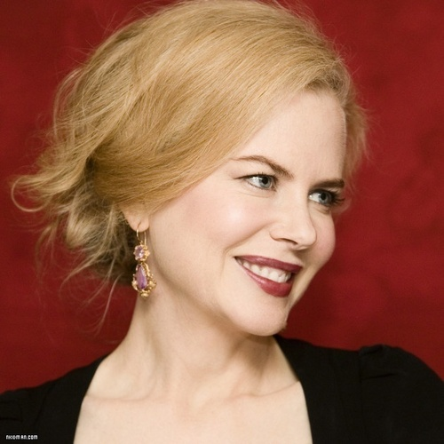 Nicole Kidman wallpaper containing a portrait entitled Nicole