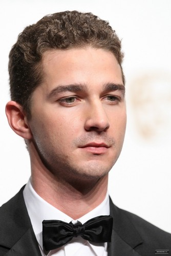 Shia @ The 주황색, 오렌지 British Academy Film Awards 2009