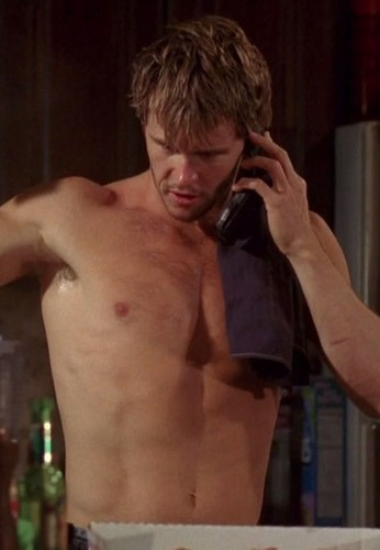 True Blood karatasi la kupamba ukuta containing a hunk and a six pack entitled Shirtless Jason Stackhouse (Ryan Kwanten)