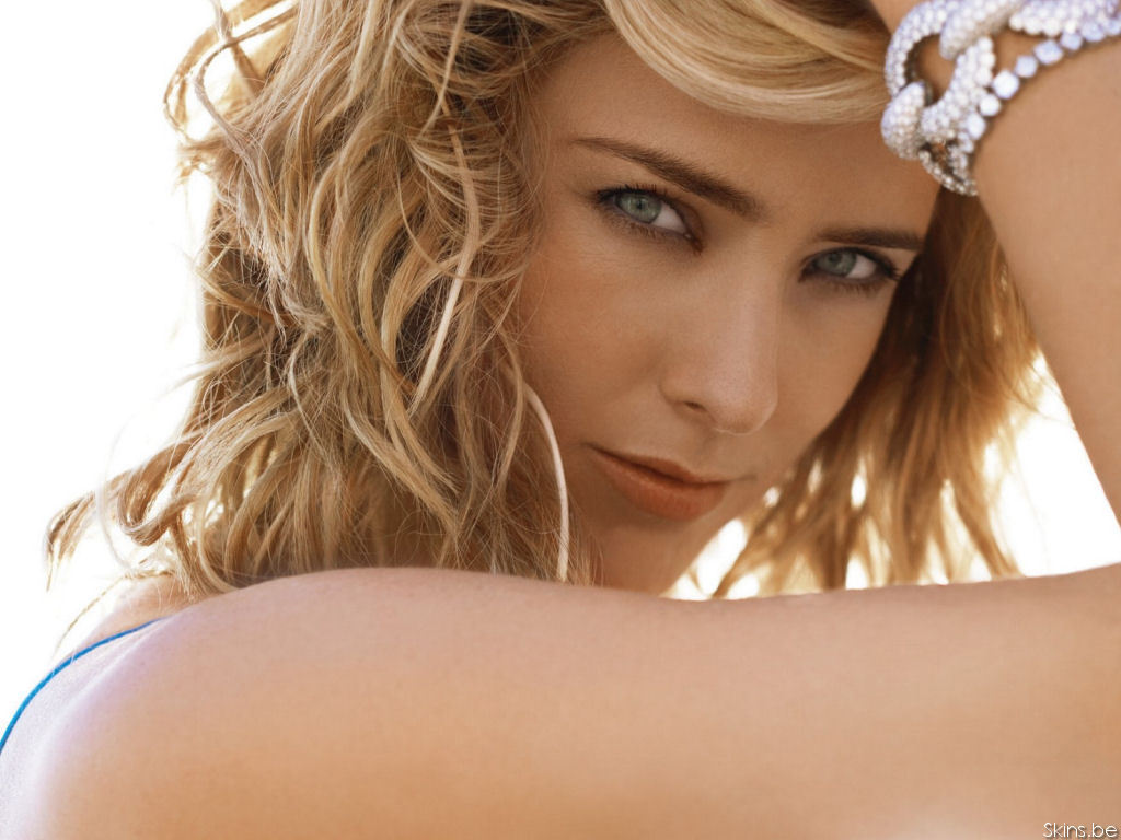 T 233 A Leoni Images Tea Leoni Hd Wallpaper And Background