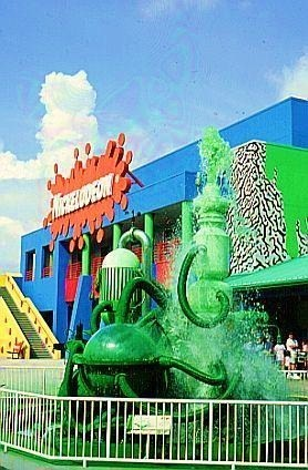 Old School Nickelodeon wallpaper containing a fountain called nickelodeon studios