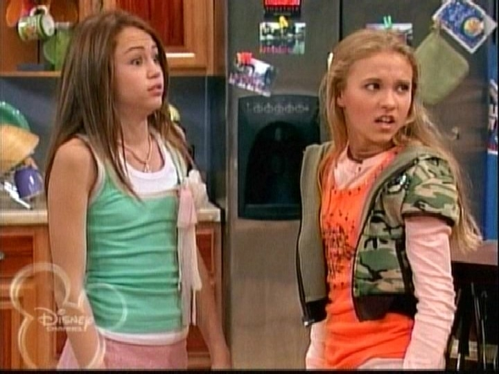 Hanna montana and lilly from show naked scandal!