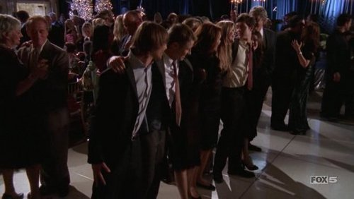 3x10 - The Chrismukkah Bar Mitz-vahkkah - the-oc Screencap