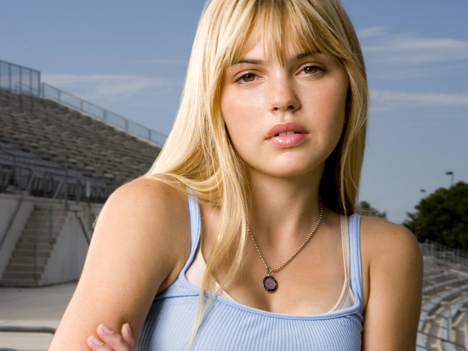 picture aimee teegarden - photo #27