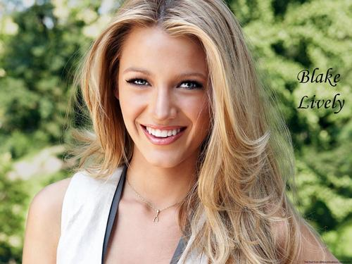 Blake Lively wallpaper with a portrait entitled Blake