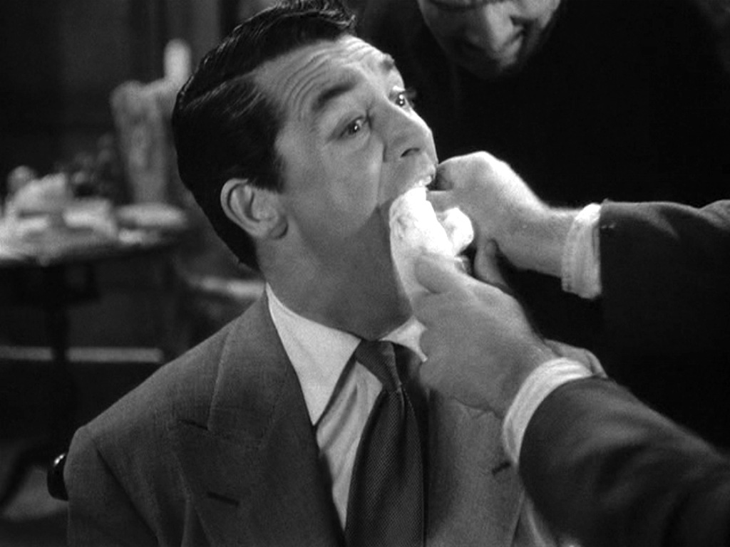 Cary in 'ARSENIC AND OLD LACE' - Cary Grant Image (4295285) - Fanpop