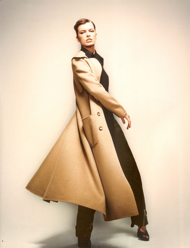 Milla Jovovich achtergrond with a trench jas called Celine Photoshoot