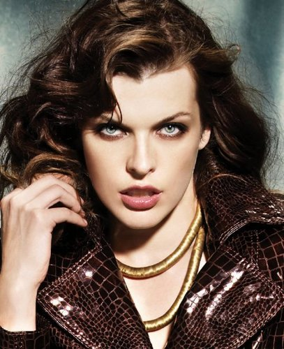 Milla Jovovich karatasi la kupamba ukuta containing a portrait called Derimod Photoshoot