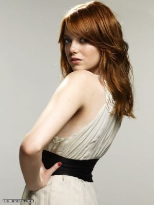 Emma Stone پیپر وال containing a کاک, کاکٹیل dress entitled Emma