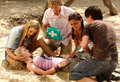 H2O: Just add water -Treassure Hunt - cariba-heine-and-phoebe-tonkin screencap