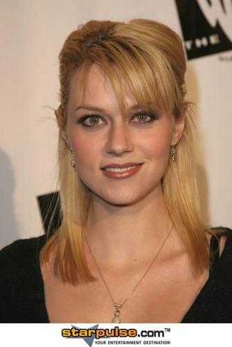 Hilarie burton in 2005