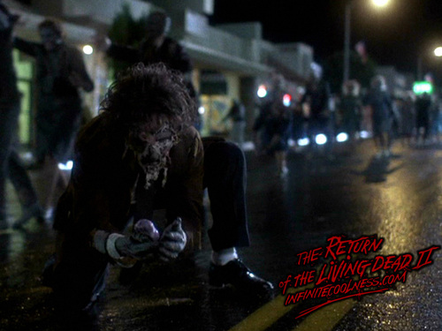 film horror wallpaper with a jalan, street called Horror movie wallpaper