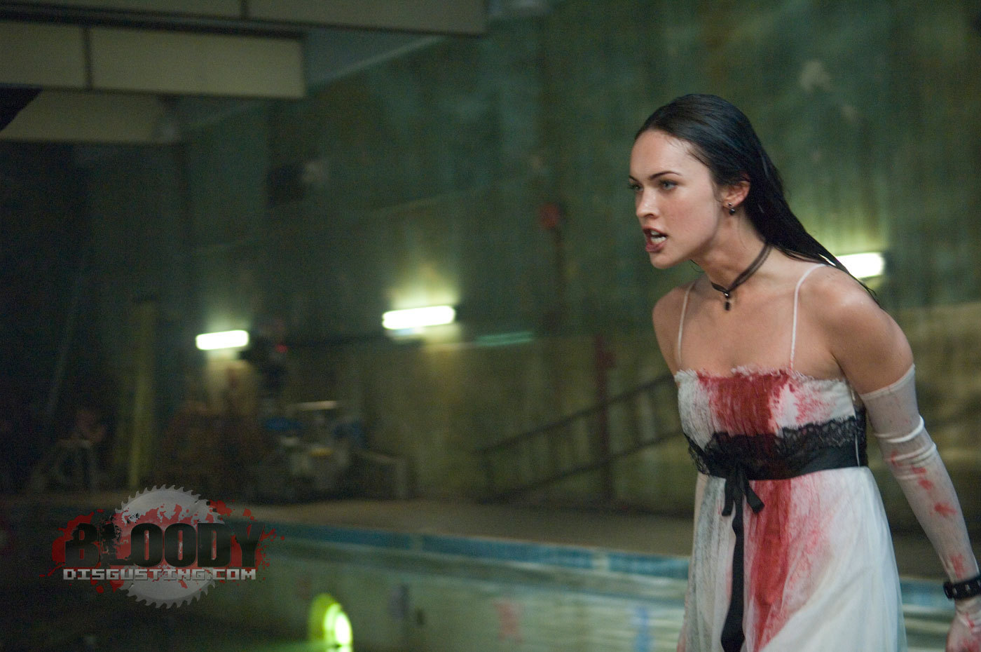 http://images2.fanpop.com/images/photos/4200000/Jennifers-Body-Still-jennifers-body-4288344-1400-930.jpg